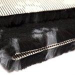 Carré en forme de panier pour chien Vetbed Paws Tapis Vet Pro Envers en caoutchouc antidérapant lavable en machine–6couleurs, 3tailles. merrymaple Vétérinaire Parure de lit® de la marque MerryMaple image 1 produit